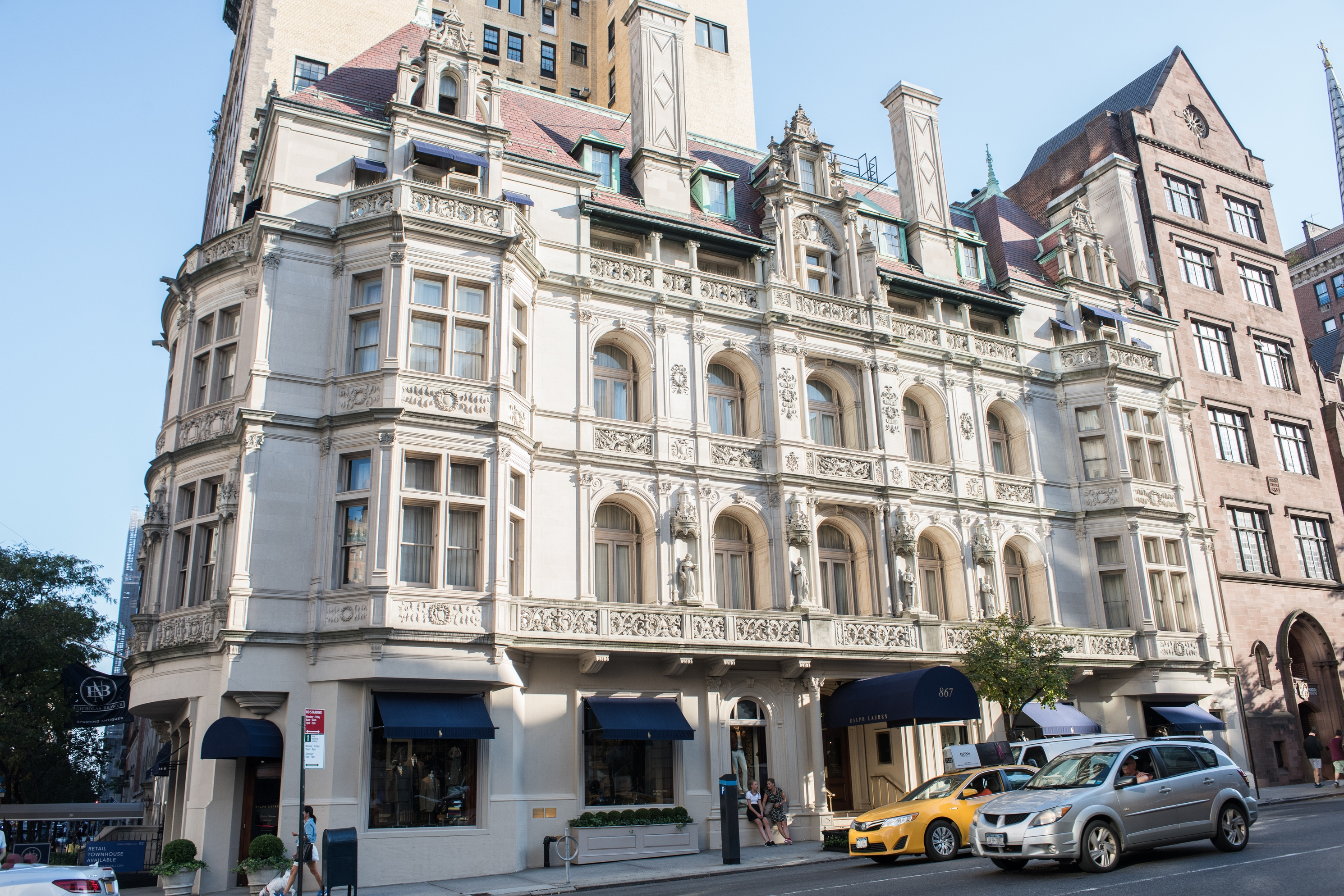 (English) Madison Avenue High Fashion & Historic Preservation: An Architectural Walking Tour with the New York Chapter of the American Institute of Architects, May 14 & 21, 2019